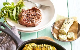 Steak z zeliščnim krompirjem