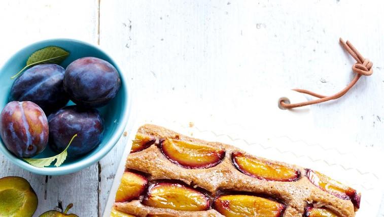 Cimetov kolač s slivami (foto: Profimedia)