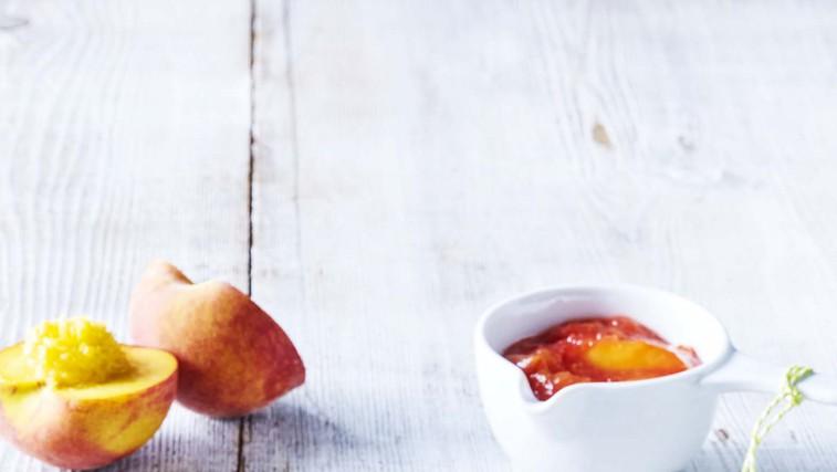 Majhne skutne palačinke z breskvami (foto: Profimedia)