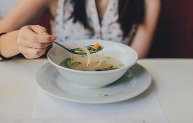 Prekinitveni post 16:8 – kako pripomore k izgubi telesne teže