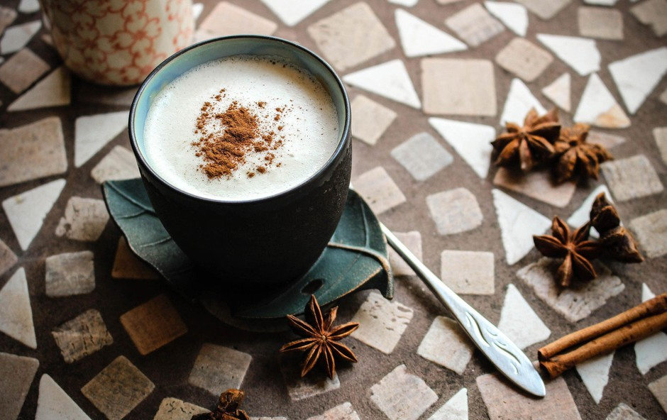Naredite svojo skodelico kave bolj zdravo (foto: profimedia)