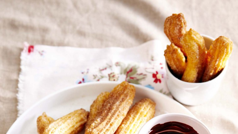 Španski churrosi s čokoladno omako (foto: Profimedia)