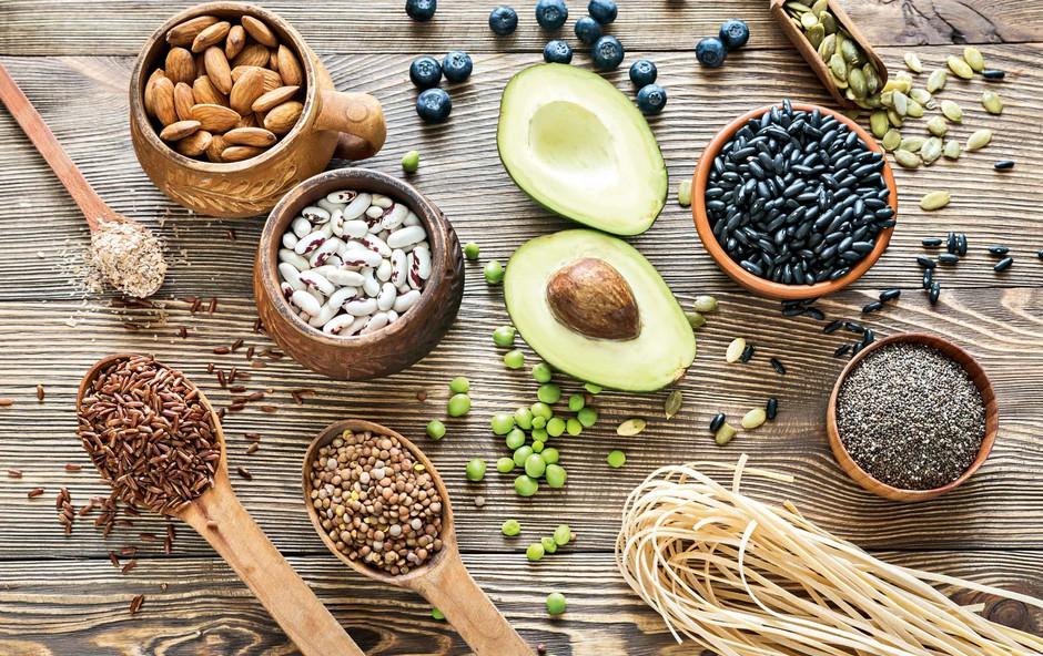Jejte maščobe, prijazne do srca (foto: Shutterstock)
