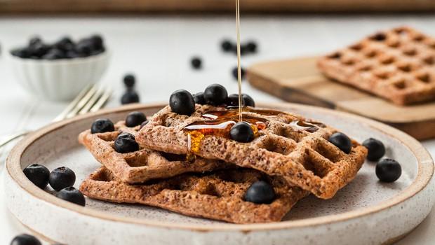 Zakaj nizek vnos ogljikovih hidratov in uživanje zdravih maščob pripomore k izgubi telesne teže (+ slasten recept) (foto: Lindsay Moe | Unsplash)
