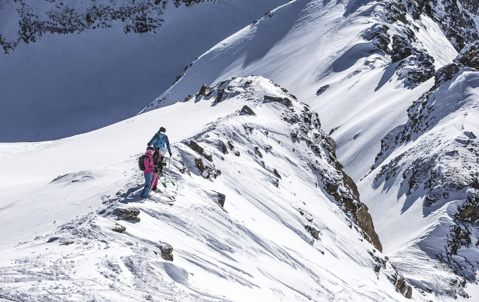 Mölli kliče: nov sneg, smučarske zvezde in privlačne smučarske proge za začetek sezone! (foto: schultz-ski.at)