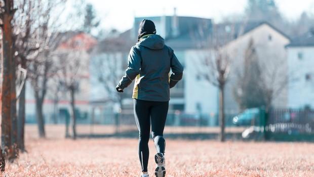 Kako ostati aktiven tudi pozimi? (brez dolge pavze, brez novoletnih zaobljub o hujšanju) (foto: profimedia)
