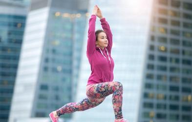 Utrjujemo telo z jogo: 5 vaj za krepljenje mišic
