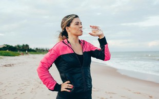 Priprave na maraton 2. del: Trenerji svetujejo o hidraciji med maratonom in oblačilih za šport