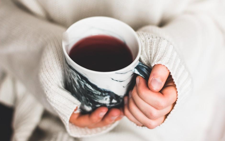 3 učinkoviti domači pripravki za bolečine v želodcu (foto: Kira Af Der Heide, Unsplash)