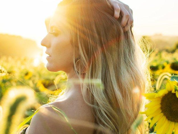 Ali zaradi skrivanja pred soncem trpite za pomanjkanjem vitamina D? - Foto: Jayson Hinrichsen, Unsplash