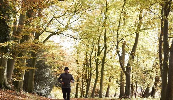 Tečemo: Na kakšni tekaški podlagi je treba trenirati?