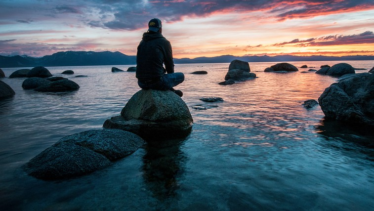 4 miti o meditaciji (foto: Keegan Houser, Unsplash)