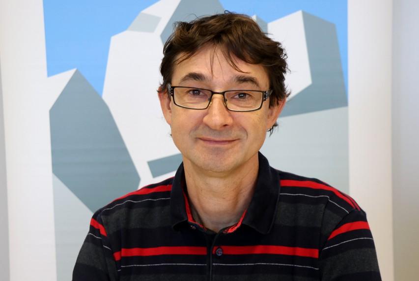 Jože Drab, urednik vodnika Slovenska planinska pot, navdušen, da se legendarne poti loteva vse več mladih
