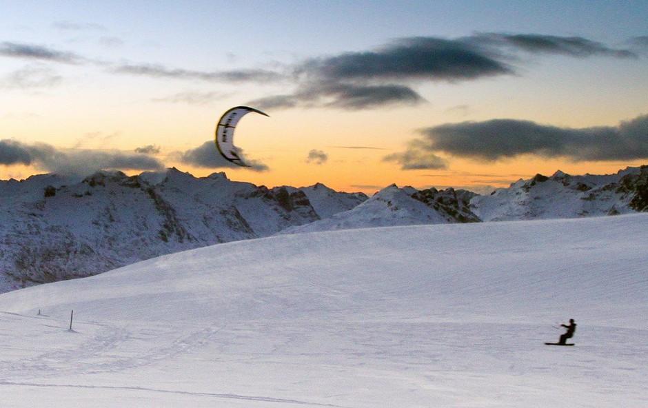 Snežno kajtanje? Da! Naučite se ga lahko v Avstriji! (foto: profimedia)