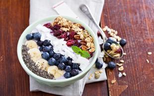 Recepti za zajtrk: Namesto kosmičev, v skledo strestite …