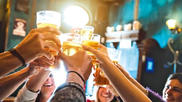 Veseli december in alkohol: Kako alkohol vpliva na hujšanje in/ali pridobivanje mišične mase (foto: Shutterstock)
