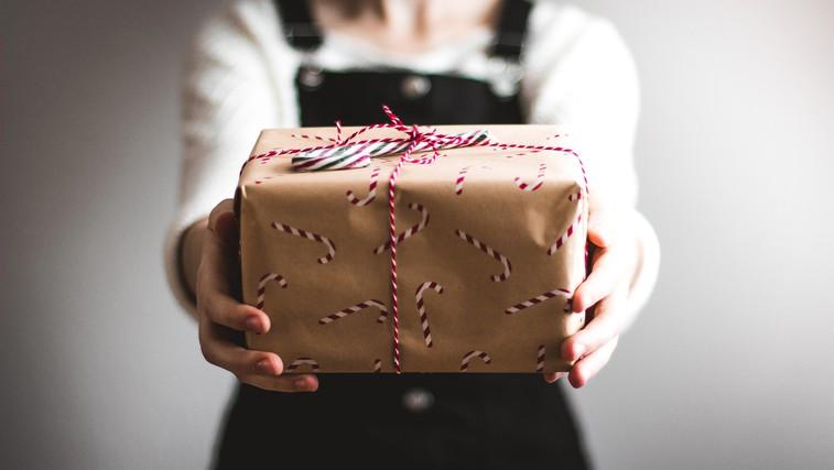 Ali znate sprejeti in pokloniti darilo? (foto: Unsplash)