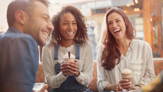 Znanstveno dokazano: majhne pozornosti ustvarjajo dolgotrajne srečne odnose (foto: Profimedia)