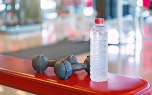 Pitje vode ima vrsto pozitivnih učinkov (razstrupljanje s H2O)