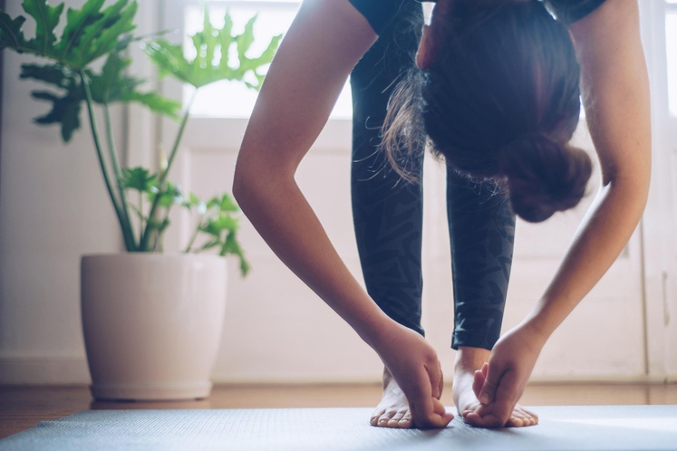 Začnite se gibati Ne govorimo o jutranji vadbi (razen, če ste eden od jutranjih telovadcev), ampak o tem, da čimprej …