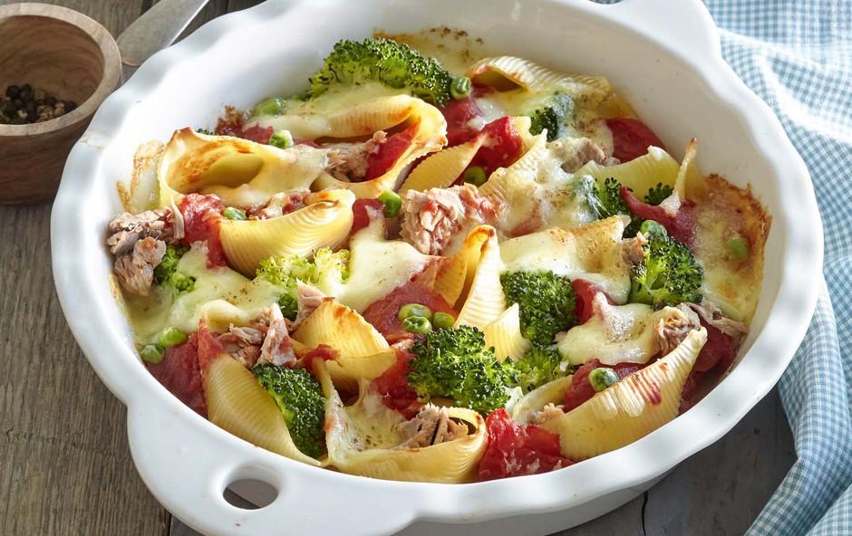 Pečene testenine z brokolijem in tunino (foto: Profimedia)