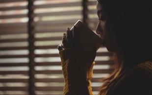 Zaužijete preveč kofeina? Prepoznate naslednje znake?
