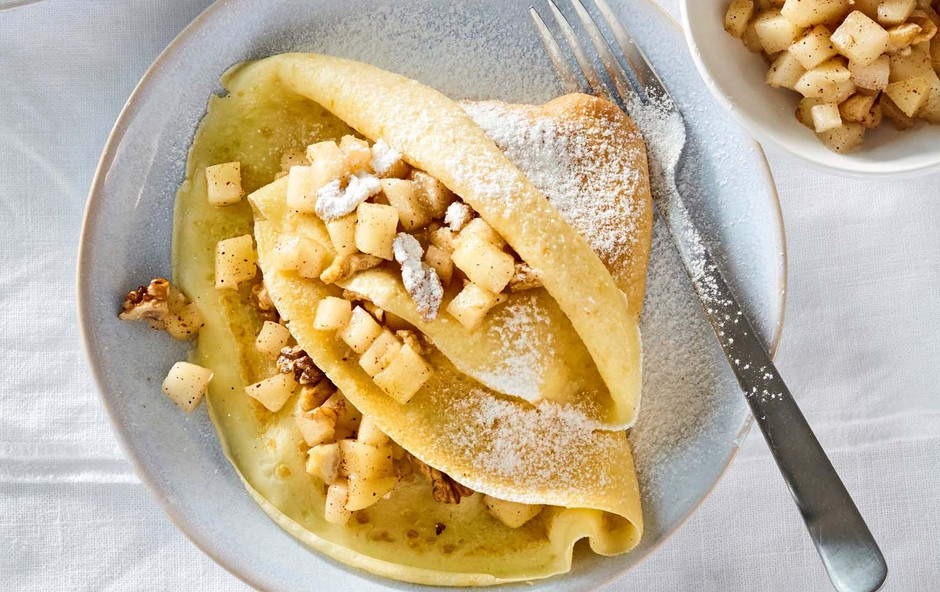 Palačinke z jabolki, orehi in cimetom (foto: Profimedia)