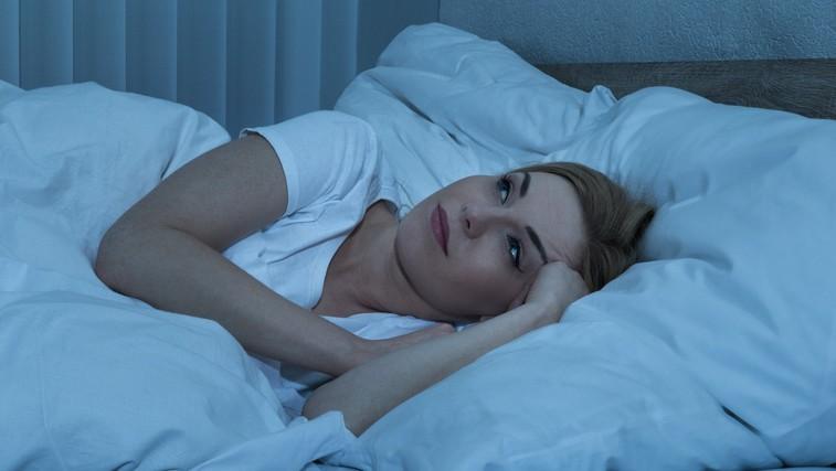 7 vprašanj, ki si jih zastavite, če težko zaspite (foto: Profimedia)