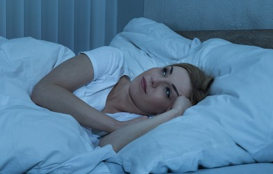 7 vprašanj, ki bi si jih morali zastaviti vsi, ki težko zaspite