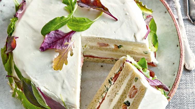Švedska kruhova torta z lososom (foto: Profimedia)