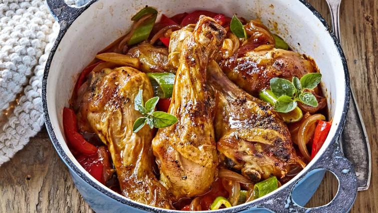 Piščančje kračke s paradižniki in papriko (foto: Profimedia)
