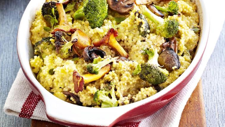 Prosen narastek z brokolijem in gobami (foto: Profimedia)