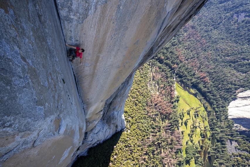Festival gorniškega filma: 32 filmov - 32 navdihujočih zgodb posameznikov, ki premikajo meje v plezanju in alpinizmu