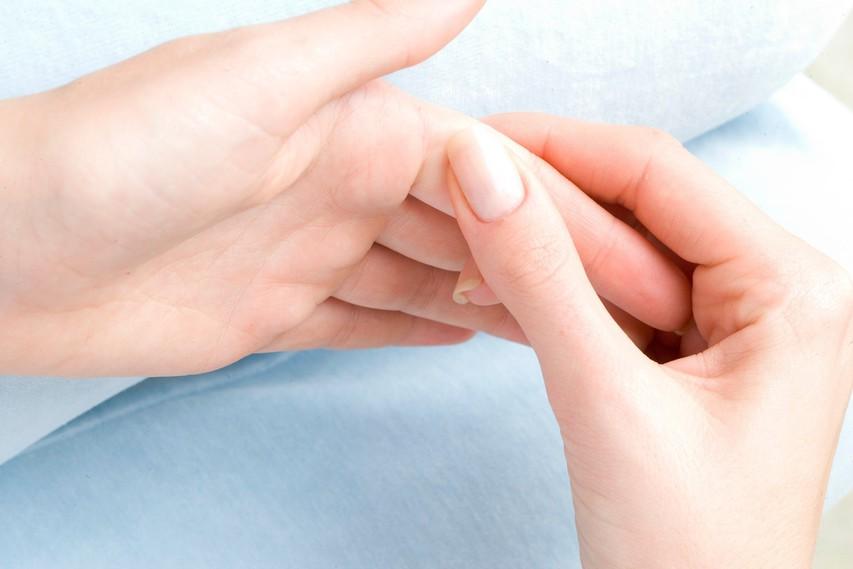 Trik s prsti, s katerim boste v trenutku premagali negativna čustvena stanja (video)