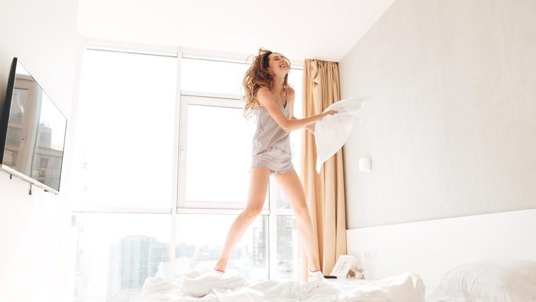 Majhni triki, ki hitro izboljšajo kvaliteto spanja (in niso povezani z omejevanjem telefona) (foto: profimedia)