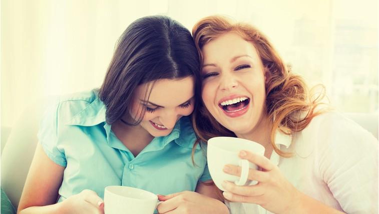 Zato bi morali več časa nameniti samskim prijateljem (še posebej, ko ste v razmerju) (foto: profimedia)