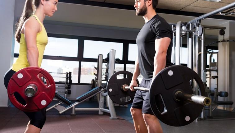 Vam je ob preizkušanju nove vadbe neprijetno? Tu so 4 triki, kako se sprostite (foto: profimedia)