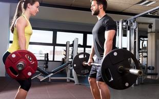 Vam je ob preizkušanju nove vadbe neprijetno? Tu so 4 triki, kako se sprostite