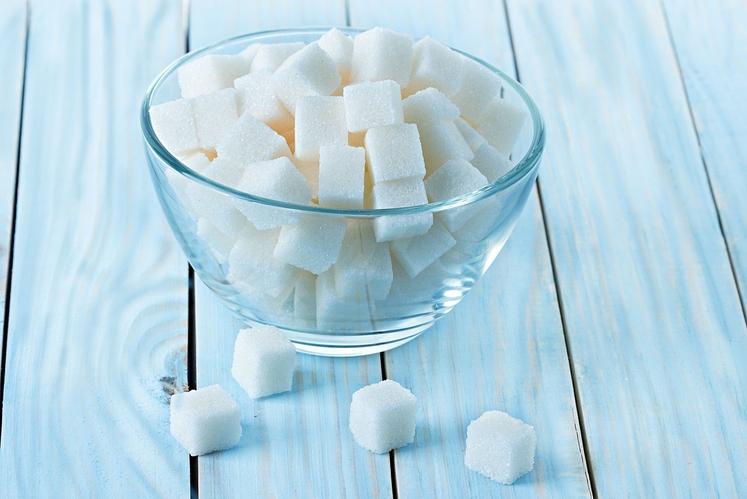Številne zdravstvene organizacije (AHA, WHO) priporočajo: • Otroci do drugega leta bi se dodanim sladkorjem morali povsem izogniti. • Otroci …