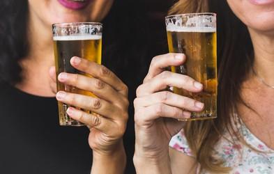 Vsak dan v Sloveniji izključno zaradi alkohola umreta najmanj 2 osebi