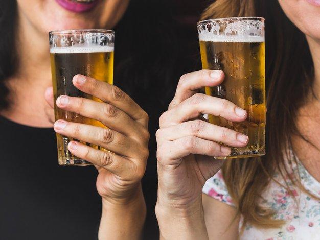Vsak dan v Sloveniji izključno zaradi alkohola umreta najmanj 2 osebi - Foto: Paloma A. | Unsplash