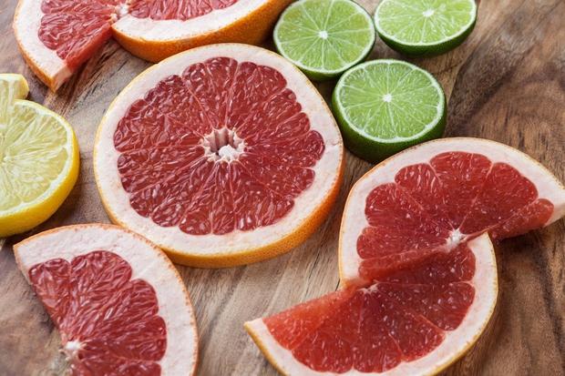 GRENIVKA Grenivka je paket vitamina C, folne kisline in kalija, znanstveniki pa jo zato povezujejo s pozitivnimi učinki na hujšanje. …