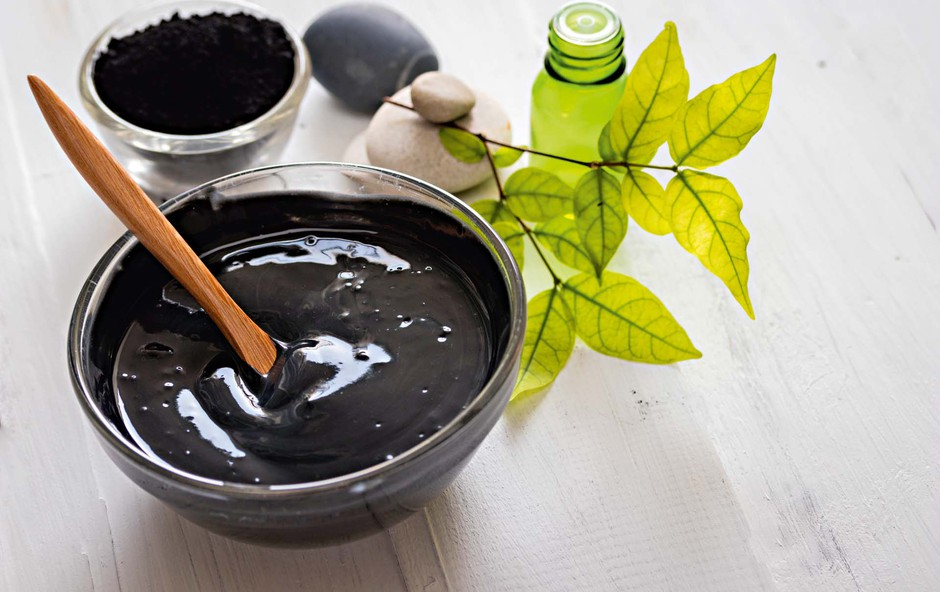 Črna mrzlica: aktivno oglje za lepšo kožo (foto: Shutterstock)