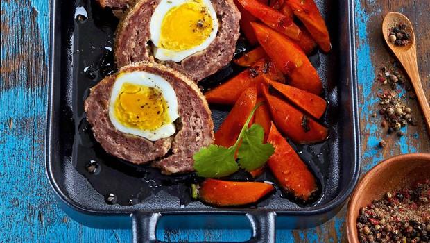 Mesna rulada z jajci (foto: Profimedia)