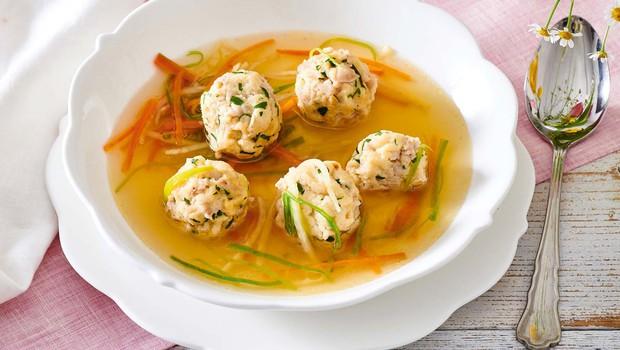 Goveja juha s cmočki iz mozga (foto: Profimedia)