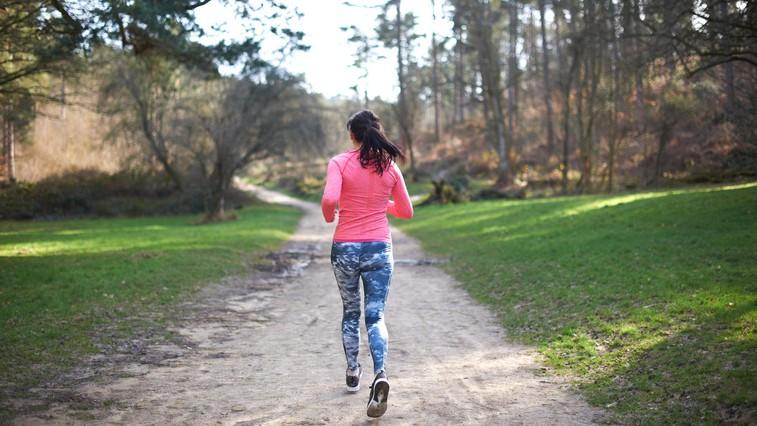 Če želite shujšati (tudi) s tekom, upoštevajte naslednje napotke (foto: profimedia)