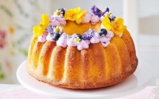 Limonova torta z borovničevo kremo