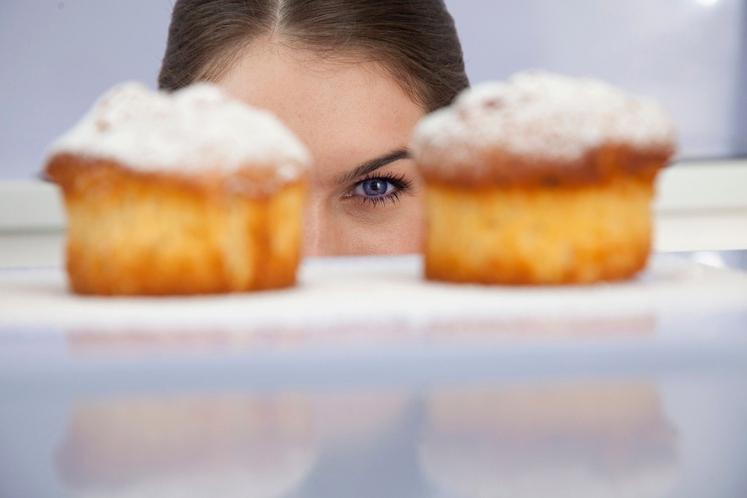 ČE RADI HITRO OBUPATE ... Namesto, 'ne, sladkorja in sladkarij se ne smem nikoli več dotakniti', si recite, 'če se …