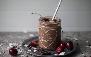 Čas za sladico: Okusen smuti s kakavom