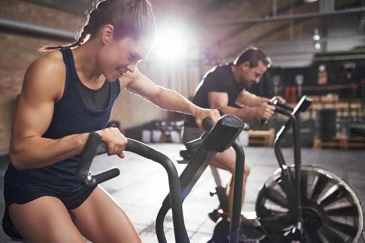 2. KORAK TRENING, PRIMERNA INTENZITETA IN DOVOLJ POČITKA Trening oziroma vadba mora vsekakor biti redna in zmerna. Pri kreiranju te …